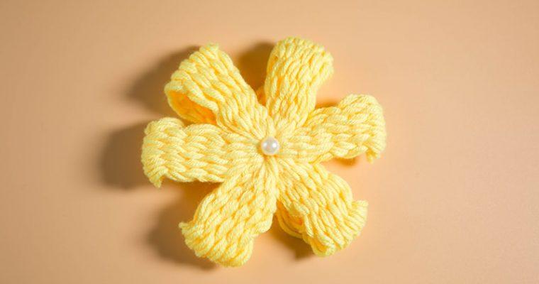 flower making with woolen