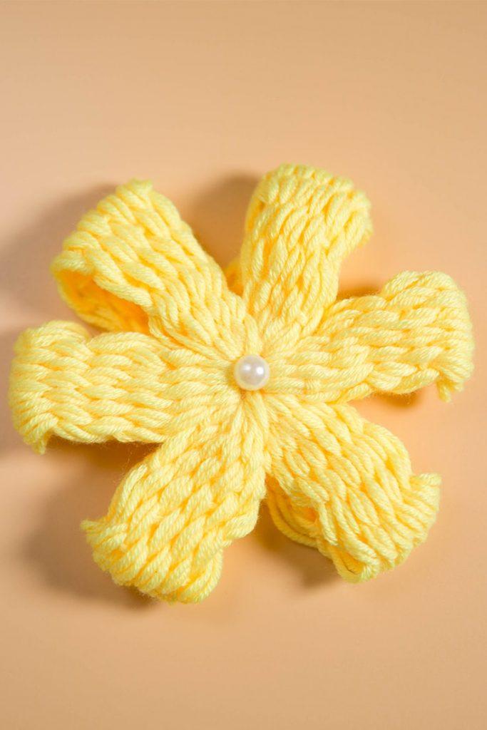 woolen yarn flower crafts